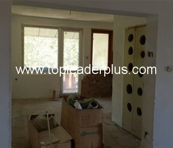 Продажба на тристаен апартамент  в  центъра на град Петрич