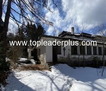 Изключително атрактивен урегулиран поземлен имот за закупуване на топ място в курорта Боровец