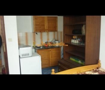 Продажба на етаж от къща в широк център на град Сандански