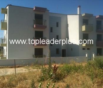 Апартаменти за продажба в жилищна сграда на 800 м. от морето в Гърция