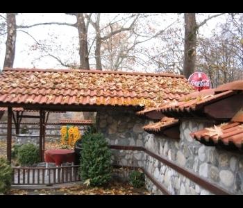 Семеен хотел – ресторант в парковата зона на гр. Сандански